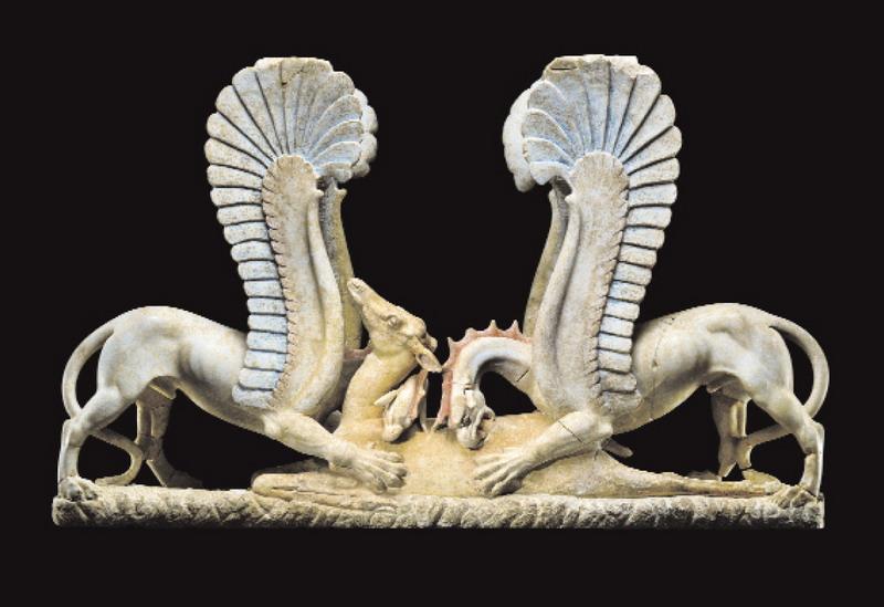 Sostegno di mensa in marmo  con due grifi che sbranano una cerva ca. 325-300 a.C. Già J. Paul Getty Museum, Malibu